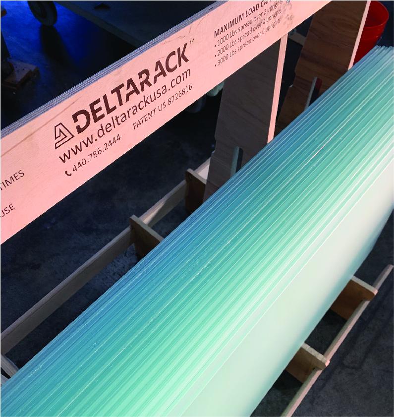 Moag distributor Deltarack a-frame cart with glass