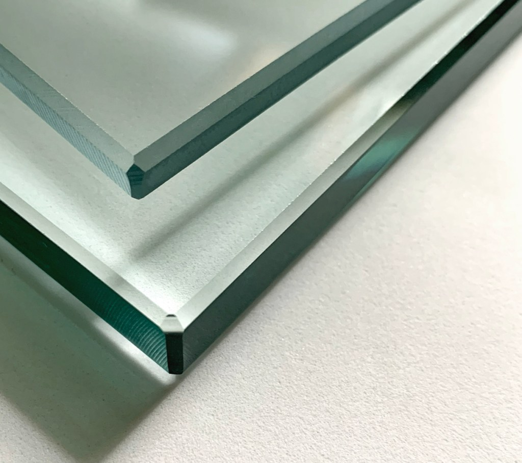 Moag glass edge chamfered corner detail