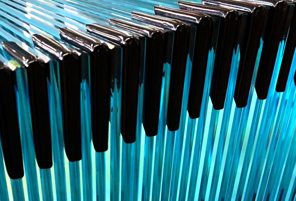 Black corner tabs on stacked glass