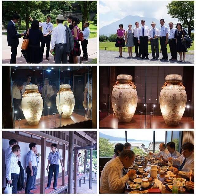 「仙巌園散策」を楽しむゲストのお二人と同行者一同