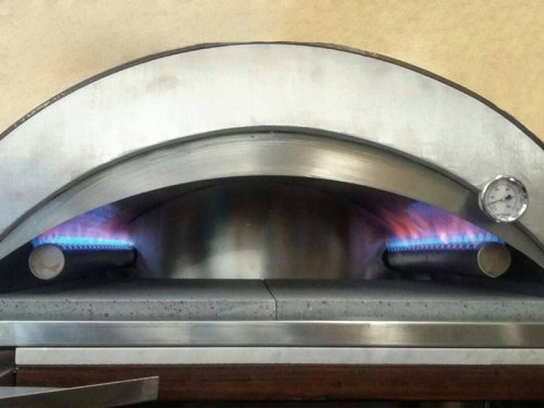 Tubular gas burner for pizza oven