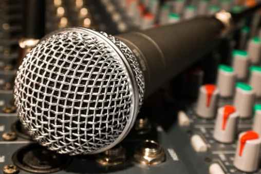 microphone-mixer-cable-microphone