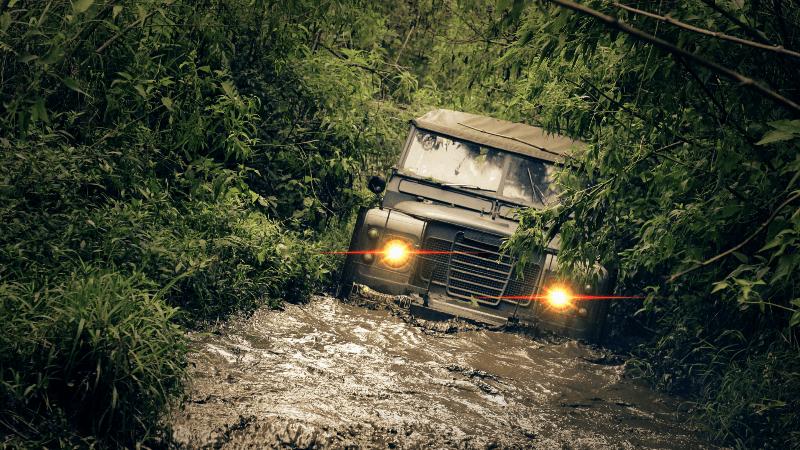 Mobil terendam banjir mungkin sudah biasa di Jakarta. Gunakanlah jasa poles mobil terdekat untuk hasil yang maksimal.