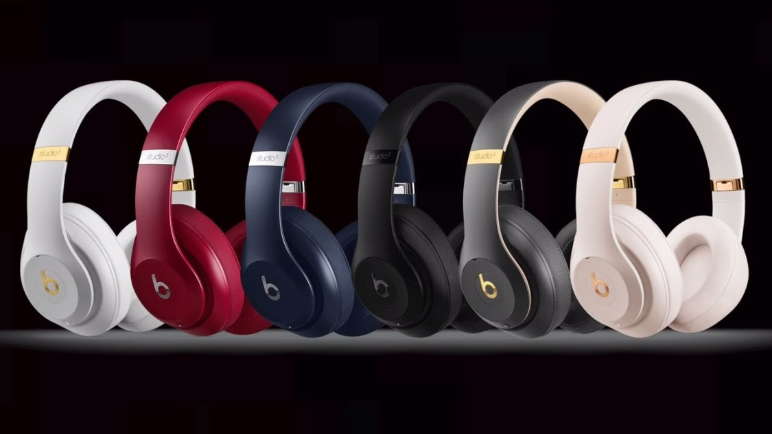 Apple jobbar på over-ear hörlurar med aktiv brusreducering