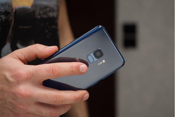 Samsung Galaxy S10-serien sägs få världens bästa fingeravtrycksläsare placerad under displayen