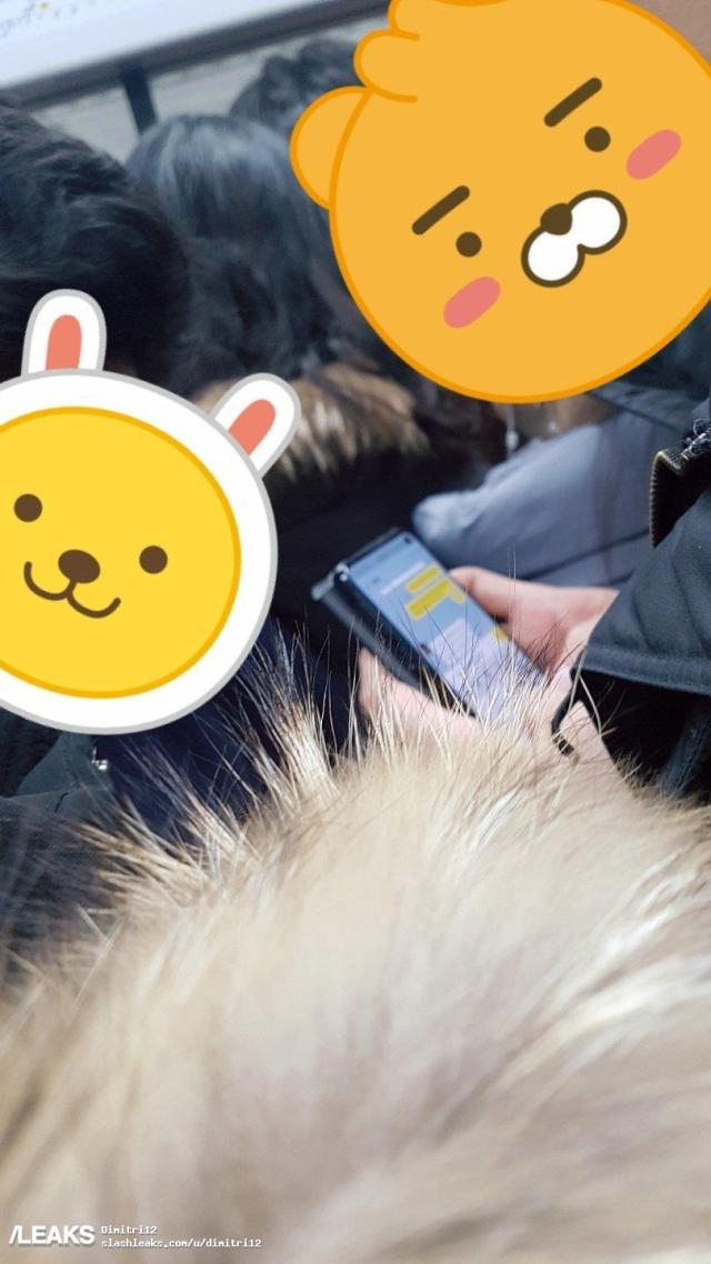 alleged-galaxy-s10-spotted-in-the-wild-with-single-punch-hole-front-camera.jpg