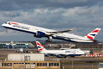 Två månader gammal Airbus A350-1000XWB hade problem med hydraliken och bromsarna
