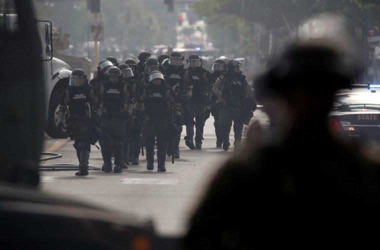 Des soldats déployés à Minneapolis après une troisième nuit d'émeutes