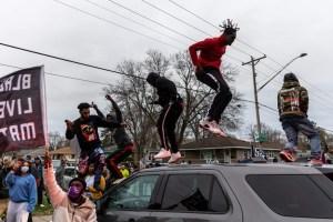 Minneapolis | Manifestations après la mort d'un jeune noir dans une fusillade avec la police