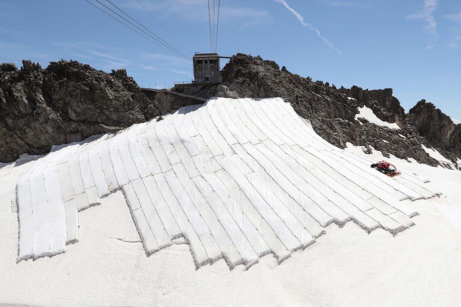 La Presse en Suisse: la course pour sauver les glaciers