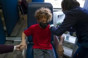 L'OMS appelle à ne pas vacciner les enfants et à privilégier les pays défavorisés