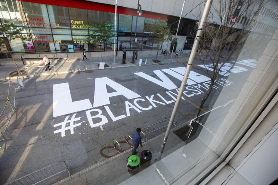 Une fresque «Black Lives Matter» sur la rue Sainte-Catherine