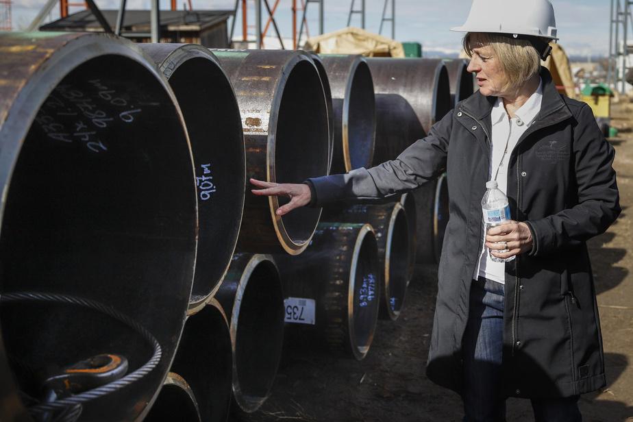 Alberta: les exigences environnementales réduites font fuir les investisseurs, dit Notley