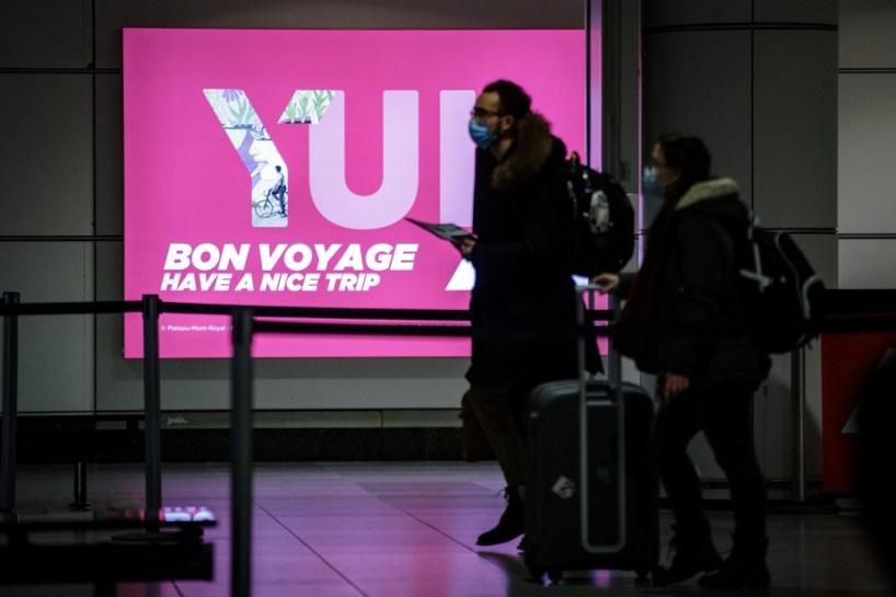 Passeport vaccinal | Ottawa songe à aller de l'avant, même sans Washington