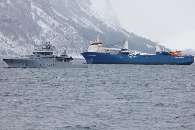 Norvège | Le cargo à la dérive pris en remorque, risques d'échouement écartés