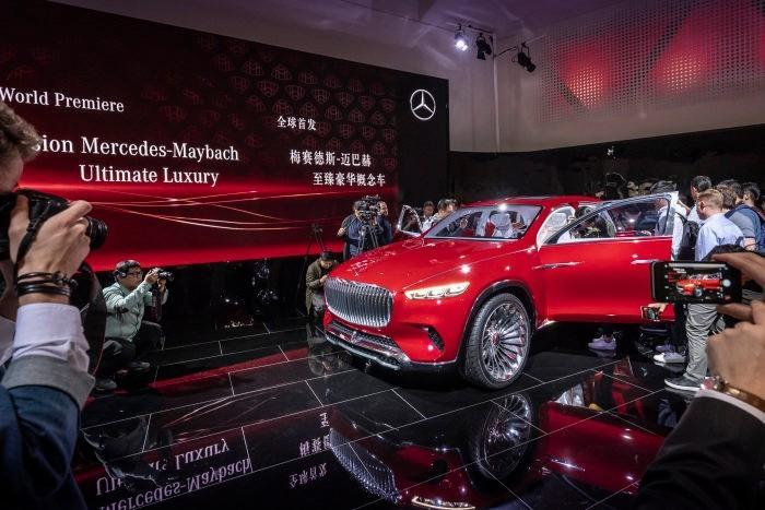 """Auf der """"Auto China 2018"""" in Peking präsentiert Mercedes-Benz den Vision Mercedes-Maybach Ultimate Luxury."""