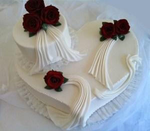 Torte-großesHerz-Hochzeit