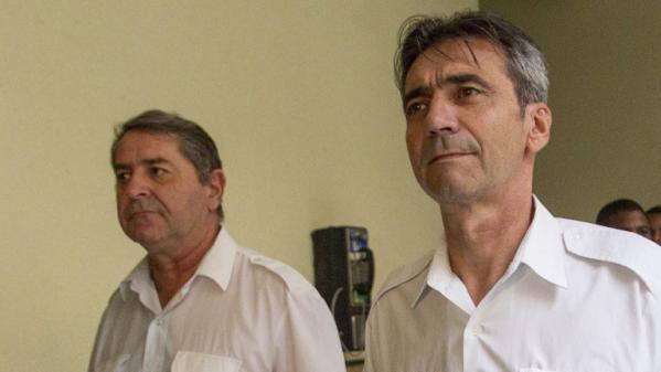 Les pilotes, Pascal Fauret et Bruno Odos, au tribunal de Saint Domingue (République dominicaine), le 12 mai 2014.