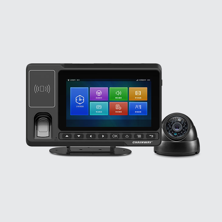 V600 Computer Veicolare Android - fronte con telecamera