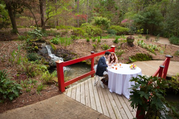 A romantic dinner alone for the bride and groom