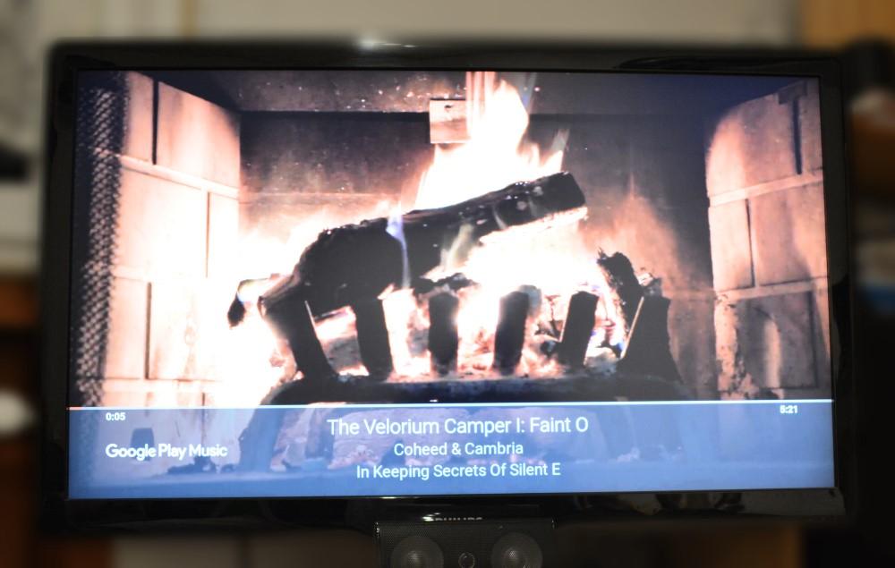 So Aktiviert ihr in 3 schnellen Schritten ein Kaminfeuer auf eurem Chromecast (Play Musik)
