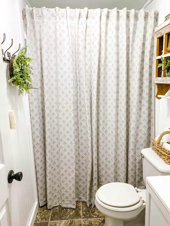 Affordable Farmhouse Mobile Home Bathroom Makeover