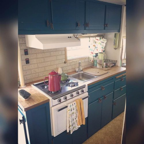 Chantals Colorful Camper Makeover A Teal Delight