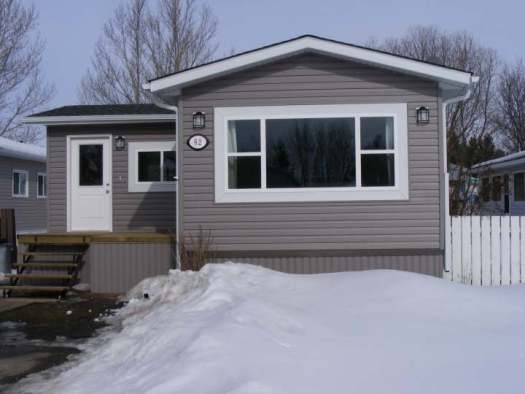 Exterior Mobile Home Remodel After New Siding And Windows Roof Was Installed Liseinalberta