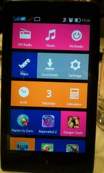 Tile designed home screen- Nokia XL