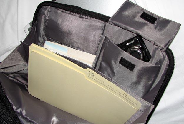 v7targus-3 REVIEW - V7 Premium Toploader Laptop Case by Targus