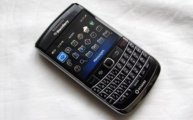 newbold-1 REVIEW - BlackBerry Bold 9700 from Rogers Wireless