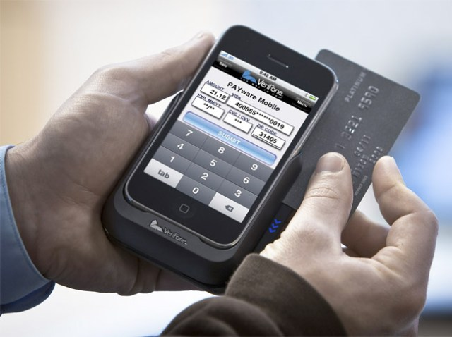 verifone VeriFone PAYware Mobile makes iPhone a POS machine