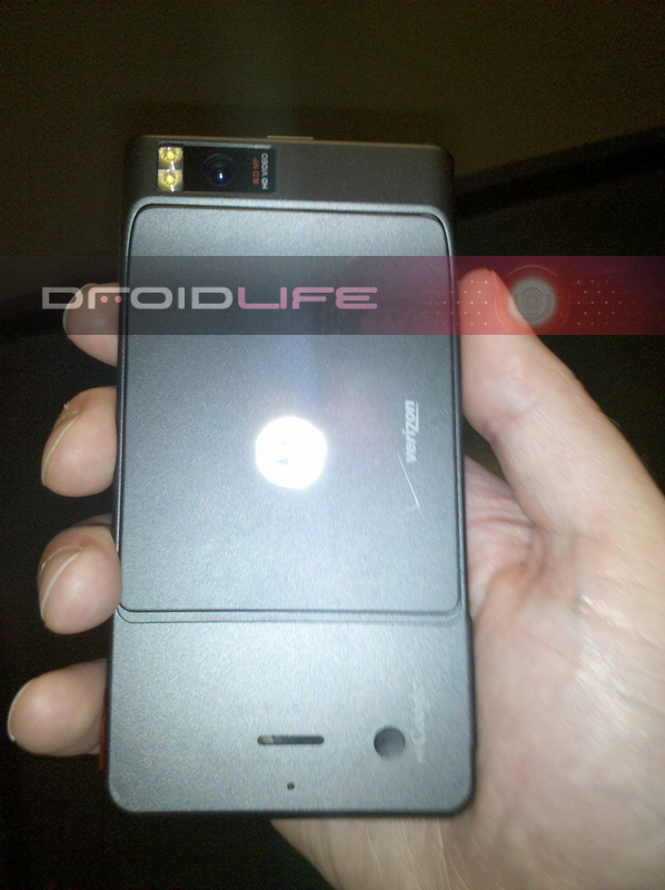 motorola-xtreme1-dl Motorola Droid Xtreme pics leaked, coming to Verizon soon