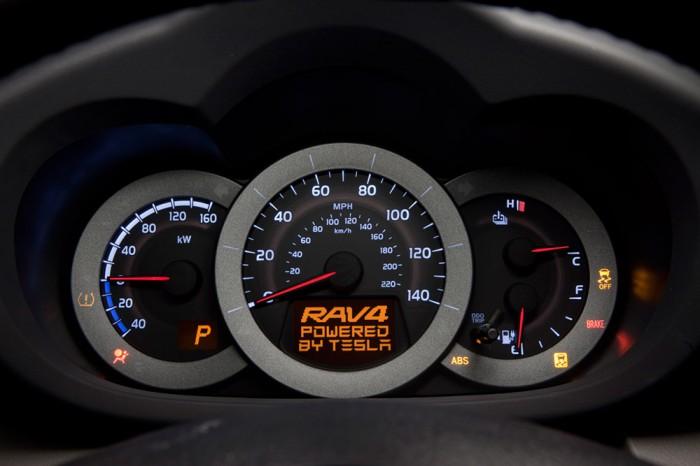 H8E5996-700x466  Toyota RAV4 EV debuts with help from Tesla Motors