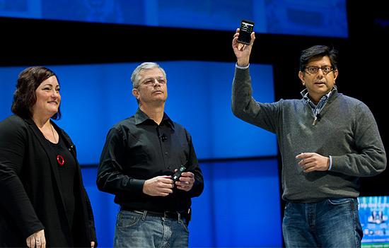 medfield Sneak peek at Intel Medfield smartphone platform