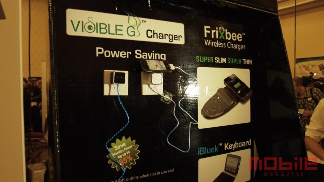 visible-g-charger-2-640x360 Dexim iPhone charger shows current, slays vampire power