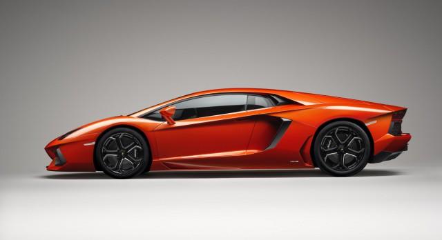 lam11-640x348 Lamborghini Aventador LP 700-4 Takes Bull by 700hp Horns