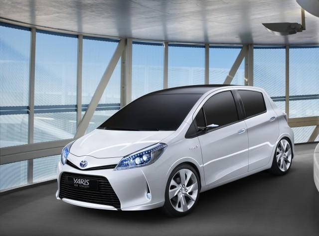 toyota-Yaris-HSD-6-640x474 Toyota Yaris HSD Brings Hybrid to Tiny Subcompact