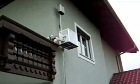 Picture-11 Man builds elevator used and operated by his cat
