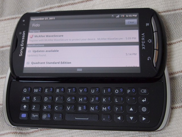 xperia-pro-1-640x482 REVIEW: Sony Ericsson Xperia Pro Android Smartphone