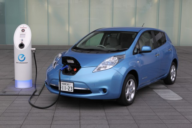 nissan10charger-1-640x426 Nissan developing the 10 minute EV charger
