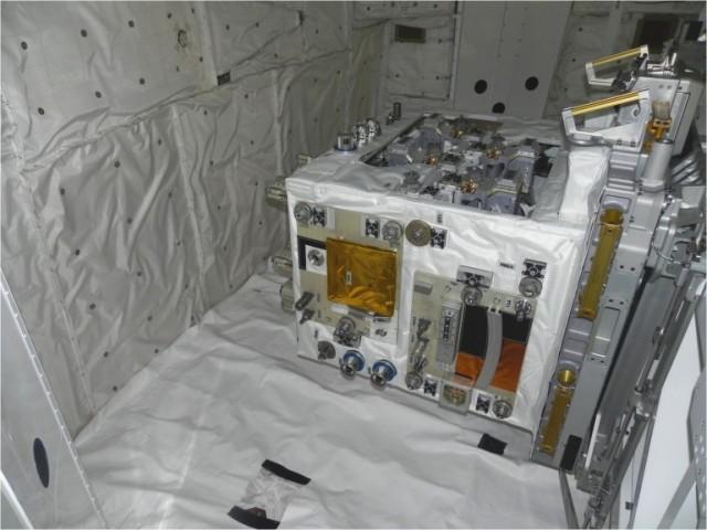 120309-nasa3-640x480  NASA and CSA Start Robot Refueling Mission Experiment