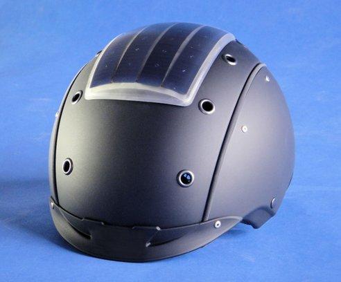 19-Solar-Ski-Helmet Solar Ski Helmet Helps You Fight The Em.. Err, Charge Your MP3 Player