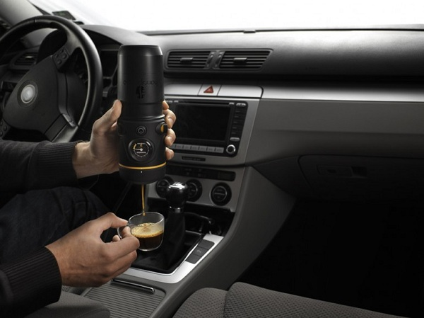 handpresso-auto Handpresso Auto: Get Your Morning Fix Of Coffee On The Road (Video)
