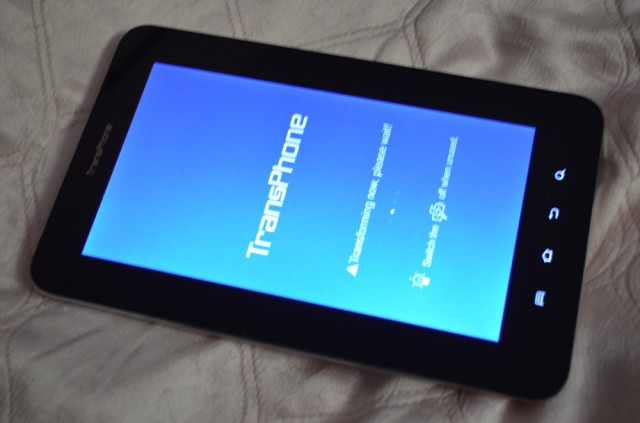 transphone_05-640x423 Android ExoTablet TransPhone Review