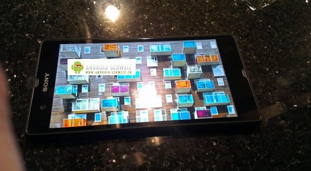 sony-phablet Rumored Sony Yuga Phablet Prototype Shows Up in Photo