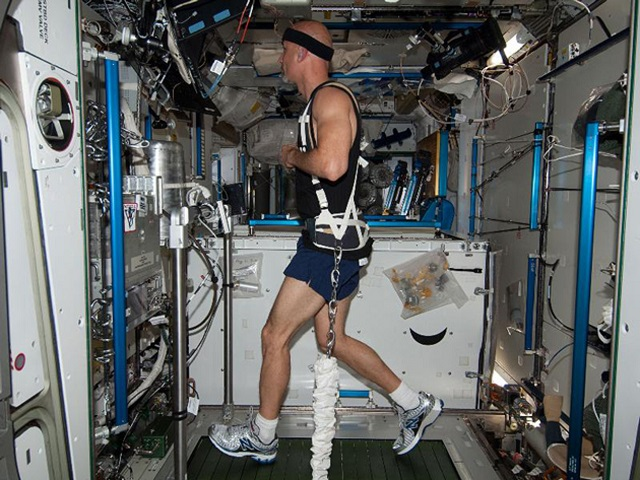 space-treadmill How To Exercise In Space (Video)