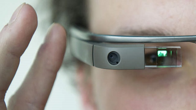 google-glass-apple Apple Was Apparently Working On A Google Glass-Like Product
