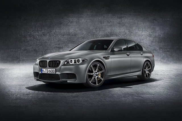 bmw-30-jahre-m5 BMW Reveals Goodies In The 30 Jahre M5, A 600 PS Power-Packed Anniversary Edition (Gallery)