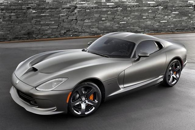 Dodge-2014-SRT-Viper Dodge Stops Production Of The 2014 SRT Viper Again